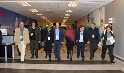 Los Cinco viajan a Cape Town sede del Parlamento sudafricano
