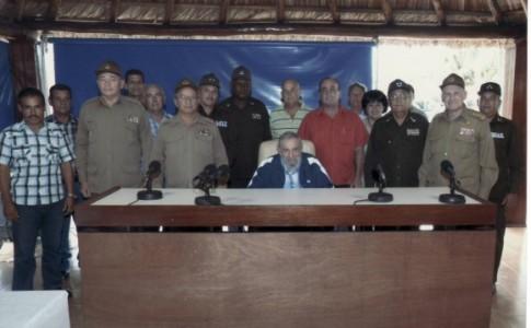 Fidel Castro sostuvo encuentro con trabajadores destacados en la producción de alimentos. Foto: Estudios Revolución.